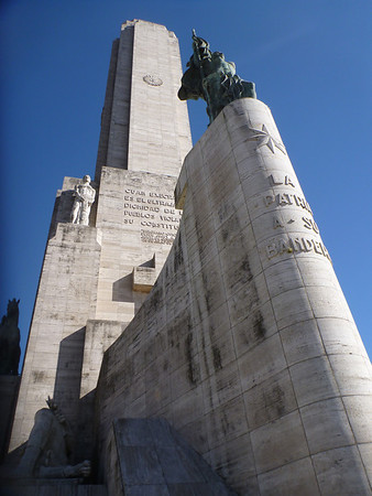 Flag monument tower (Rosario)