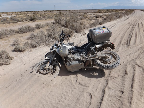 Mark's F800GS taking a nap at the end of some deep sand