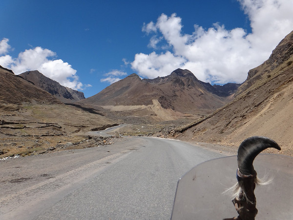 Beautiful high altitude riding towards Caracollo on the way to Oruro