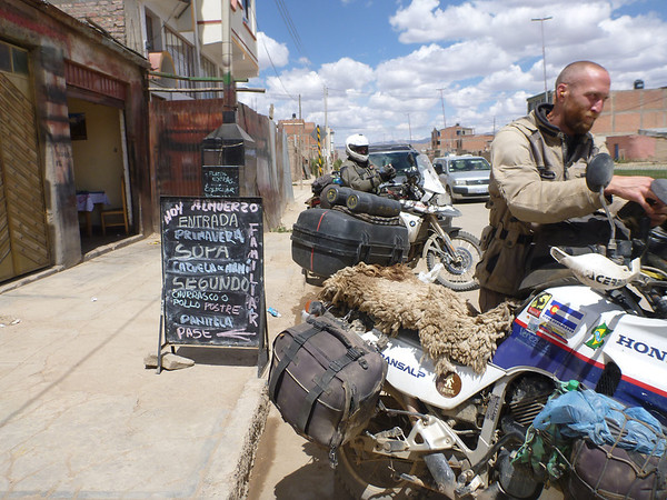 Lunch stop on the outskirts of Oruro