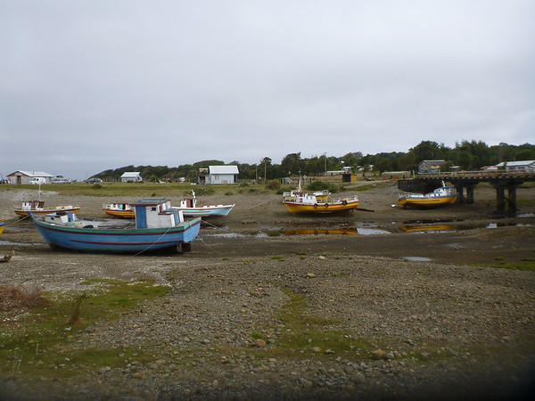 More boats waiting for high tide.  Near Gualaihué