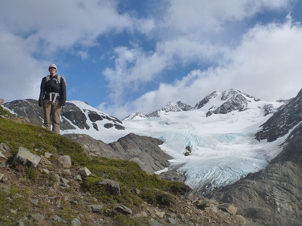 Jill towering above the glaciar, Paso John Gardner, Torres del Paine