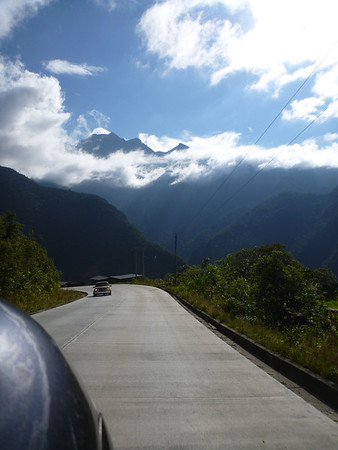 Good (new) pavement in southern Ecuador (between Baños and cuenca)