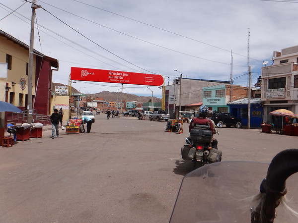at Desaguadero, border with Bolivia