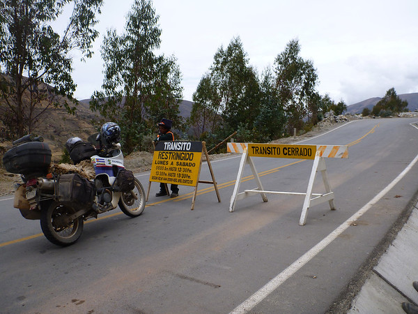 Waiting for more construction on the way to Abancay