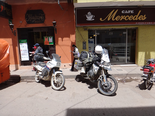 on Arequipa street in Puno.  Getting ready to head to Bolivia with Mark (Radioman)