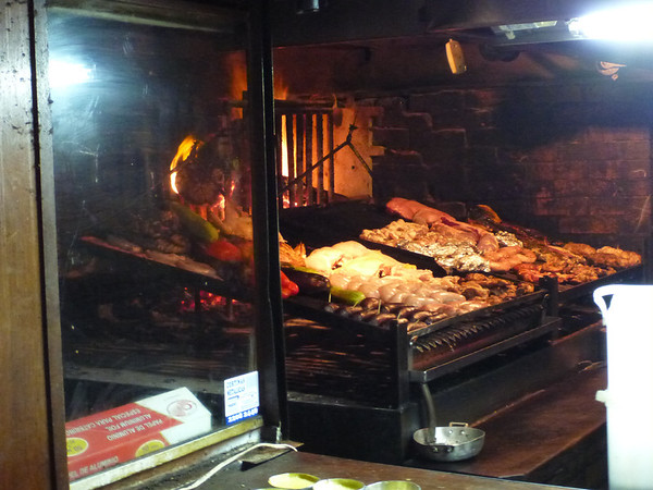 asado in action, Mercado del Puerto, Montevideo